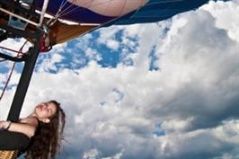 טיסה רומנטית בכדור פורח לאוהבים